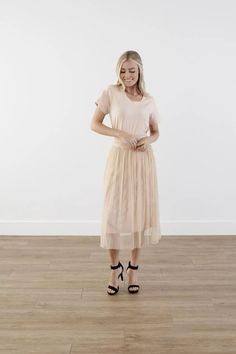 Modest Clothing, Beige Midi Skirt, Modest Clothes Modest Skirts, Modest Outfits, Modest Fashion, Skirt Fashion, Short Skirts, Modest Clothing, Pleated Skirt, Midi Skirt, Smocking