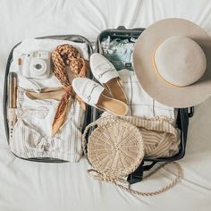 Brides' Checklist: What to Pack in your Wedding Overnight Bag - Travel Trends New Travel, Travel Packing, Travel Luggage, Travel Backpack, Travel Style, Travel Usa, Travel Goals, Travel Suitcases, Suitcase Packing