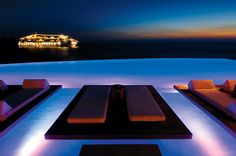 Infinity pool by night... http://www.cavotagoo.gr/
