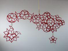 Mobile Skulptur basiert auf geometrischen Netzen