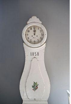 Swedish And Gustavian Whites Scandinavian Interior, Scandinavian Style, Scandi Style, Tick Tock Clock, Shabby, Swedish Style, Grandfather Clock, Decoration, House Colors