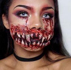 Makeup Looks Halloween Scary 52 Ideas Gory Halloween Makeup, Halloween Makeup Looks, Halloween Art, Halloween Face Paint Scary, Demon Halloween Costume, Demon Costume, Scary Costumes, Demon Makeup, Scary Makeup