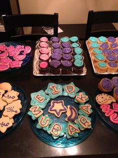 Eid cookies and cupcakes