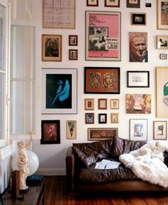 wall o'pictures.