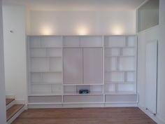 Bibliothèque et meuble télé intégré by Julien Devaux