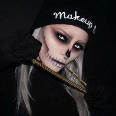 Looking for for ideas for your Halloween make-up? Check out the post right here for creepy Halloween makeup looks. Creepy Halloween Makeup, Pretty Halloween, Halloween Halloween, Halloween Costumes, Ghost Makeup, Scary Makeup, Movie Makeup, Corpse Bride Makeup, Make Up Designs