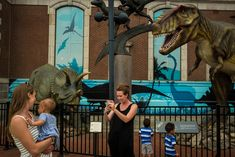 Alex Webb, USA. Philadelphia. 2016. Outside of the dinosaur exhibit at the Academy of Natural Sciences.