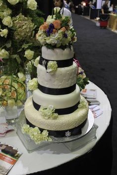 Our Lubbock teams beautiful wedding cake at the 2014 Lubbock Bridal
