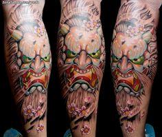 Tatuaje de máscara japonesa hecho por Jaroslav Snejdar, de Lleida (España). Si quieres ponerte en contacto con él para un tatuaje visita su perfil: http://www.zonatattoos.com/yarda #tatuajes #tattoos #ink