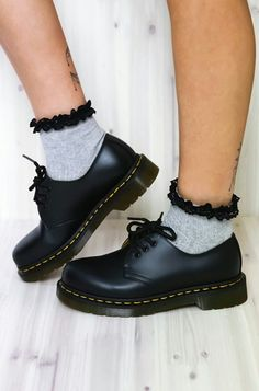 Dr Martens 1461 Black Noir Halbschuhe Grunge Unisex 2019 Dr Martens 1461 Black Noir Halbschuhe Grunge Unisex The post Dr Martens 1461 Black Noir Halbschuhe Grunge Unisex 2019 appeared first on Vintage ideas. Doc Martens Oxfords, Dr. Martens, Doc Martens Stiefel, Doc Martens Low, Doc Martens Women, Doc Martens Style, Sock Shoes, Cute Shoes, Me Too Shoes