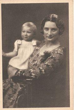 KÖNIGIN ASTRID-JOSEPHINE CHARLOTTE-Adel-Royal-ORIGINAL POSTCARD-Monarchie