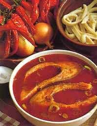 A bajai halászlé National Dish, Hungarian Recipes, Fish Recipes, Chili, Soups, Food And Drink, Dishes, Cooking, Diet