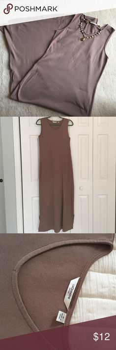 """Liz Claiborne NY V-Neck Maxi Dress Liz Claiborne mocha maxi dress. 100% cotton, machine wash, arm holes fit perfectly so no bra showing, semi-fitted. Dress up with a scarf or cardigan. 8"""" bottom side slits which makes for easy movement (picture #4). Liz Claiborne Dresses Maxi"""