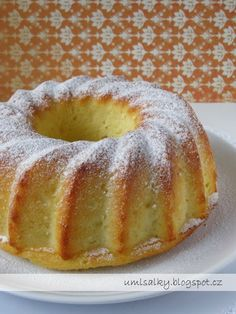 Jacque Pepin, Bunt Cakes, Oreo Cupcakes, Doughnut, Cake Recipes, Food And Drink, Sweets, Dishes, Cooking