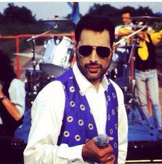 Freddie Mercury - Breakthru