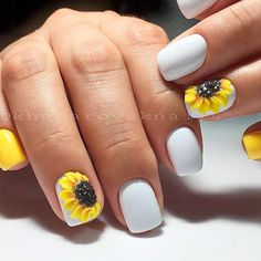 18 Creative Ways Update You Mani With Yellow Flowers Nail Art ❤️ Nail Art Designs With Sunflower ❤️ Yellow flowers are many, and all of them are undoubtedly fabulous! That is why we suggest to your attention a fresh compilation of nail art ideas with t Diy Nails, Cute Nails, Pretty Nails, 3d Nails Art, 3d Acrylic Nails, Cute Summer Nails, Nail Summer, Gorgeous Nails, Nail Art Inspiration