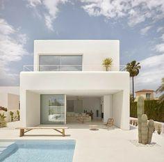 #pool #piscina Design Exterior, Modern House Design, Villa Design, Country House Design, Simple House Design, Home Fashion, Fashion Decor, Future House, Interior Architecture