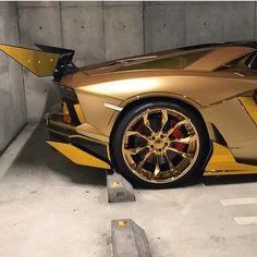Lamborghini NOT Pagani.......
