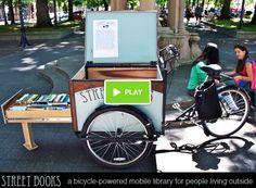 Street Books è una bici con mini-biblioteca annessa che viene condotta in alcuni luoghi della città di Portland (Stati Uniti) e messa a disposizione di persone che vivono per strada...