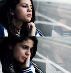 Selena Gomez as Faith Selena Gomez Crying, Selena Gomex, Selena Gomez Gif, Justin Bieber Selena Gomez, Selena Gomez Style, Old Disney Tv Shows, Sassy Instagram Captions, Cat Hug, Alex Russo