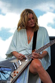 hell yeah grace potter & the nocturnals. Female Guitarist, Female Singers, Heavy Metal Girl, Grace Potter, Lita Ford, Women Of Rock, Rock And Roll Bands, Guitar Girl, Rock Groups