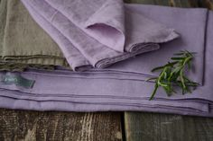 Linen table cloth & linen nankins, by LinenDay www.olgakivrina.com/