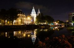 Amsterdam Rijksmuseum by night