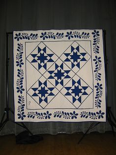 Blue and White 2007 SQU Auction Quilt.  Springfield, Va QU members pieced, appliqued and quilted this quilt.