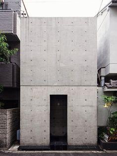 The Row House aka Azuma House in Sumiyoshi by Tadao Ando, 1979. / Arkpad