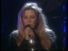 Best live version of a classic song, Fleetwood Mac - Landslide (Live 1997)