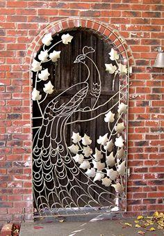 peacock gate - This would be wonderful as a thread sketched art quilt! Soo cool, okay, maybe not my front door but still. Door Gate, Unique Doors, Iron Work, Iron Gates, Door Knockers, Doorway, Windows And Doors, Front Doors, Stairways