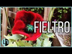 FLOR AMAPOLA FIELTRO HÚMEDO VELLÓN AMASADO FELTED FLOWER LANA WOLLE - YouTube Felt Flowers, Crochet Hats, Christmas Ornaments, Holiday Decor, Felting, Youtube, Videos, Craft, Wet Felting