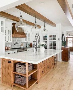 Modern Farmhouse Decor, Farmhouse Kitchen Decor, Kitchen Redo, Home Decor Kitchen, Kitchen Interior, New Kitchen, Home Kitchens, Kitchen Remodel, Kitchen Ideas