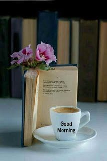 book and coffee Coffee And Books, I Love Coffee, My Coffee, Good Morning Coffee, Coffee Break, Coffee Cafe, Coffee Shop, Pause Café, Book Flowers