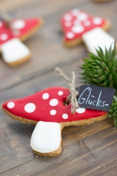 Glückspilz – Silvester - To Have a Nice Day New Years Eve Dinner, New Years Eve Party, Christmas Cookies, Christmas Gifts, Christmas Ornaments, Deco Nouvel An, Diy Silvester, Silvester Outfit, Diy Pinterest