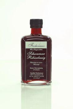 Black currant vinegar - intensive and dark red Black Currants, Dark Red, Vinegar, Perfume Bottles, Mustard, Pisces, Perfume Bottle, White Vinegar