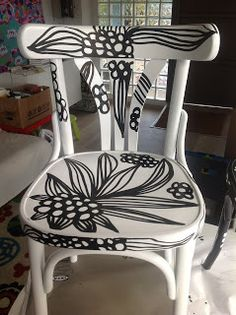 Herman Miller Aeron Chair Size C Hand Painted Chairs, Funky Painted Furniture, Art Furniture, Furniture Makeover, Turquoise Chair, Swivel Rocker Recliner Chair, Love Chair, Old Chairs, Furniture Inspiration