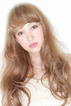 2012年夏スタイル エアリーガーリー夏スタイル 【大阪・心斎橋】hair Mission  stylist:斉藤 友美
