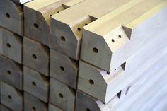 TEHDÄÄN HYVIN | HANDMADE QUALITY Työvaihe: Ruokapöydän jalkoja | Craft: Legs for dining tables ⠀ Tuotantolinja: Pöydät | Production line: Dining  #pohjanmaan #pohjanmaankaluste #käsintehty