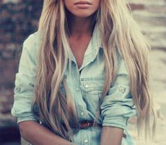 If I could pull it off as a blonde, I would make my hair this color - love!