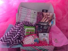 Subscription boxes can be a great gift option for teens and tweens, an age group… Cheap Subscription Boxes, Teen Boxing, Kids Clothesline, Fun Mail, Cheap Kids Clothes, Craft Kits, Toddler Fashion, Gifts For Girls, Cool Gifts