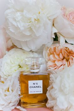 nothing says girly chic like Chanel No. 5 Photography by Annabella Charles Photography / asianbeesphotogra., Event Planning by Social Graces Events / socialgracesevent., Floral Design by Haute Horticulture / hautehorticulture. Parfum Paris, Parfum Chanel, Perfume Oils, Perfume Bottles, Perfume Store, Glass Bottles, Mademoiselle Coco Chanel, Chanel No 5, Beauty