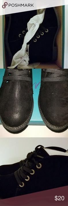 Blowfish 7 1/2 black short boots Blowfish black boots 7 1/2 New in Box Blowfish Shoes