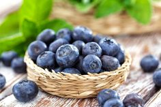 ◸ [GET]▥ Blueberry Antioxidant Berries Berry Bilberry Blackberry Blaeberry Workout To Lose Weight Fast, How To Lose Weight Fast, Tasty Vegetarian, Pick Your Own Apples, Athlete Nutrition, Drink Photo, The Fragile, Mint, Gourmet
