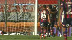 Todos corren a abrazar a Kalinski, pero el gol fue de Ramírez en contra