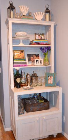 Ideas Diy Bookshelf Wall Small Spaces Studio Apartments For 2019 Small Living Rooms, Home Living Room, Apartment Living, Living Room Decor, Apartment Bar, Brooklyn Apartment, Dream Apartment, Diy Bookshelf Wall, Small Bookshelf