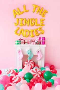 Holiday Balloons Are HERE!!! | studiodiy.com