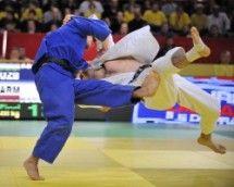 Sobirov, Rishod UZB (b) threw Davtyan ARM 60kgs for ippon.
