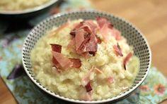 Risotto al prosciutto e Asiago profumato al whisky - Prova il riso in un particolare risotto al formaggio Asiago e prosciutto cotto, un primo piatto che puoi fare anche con gli avanzi.