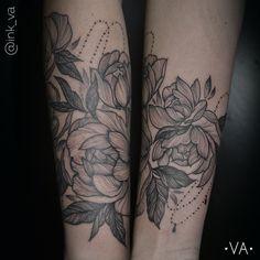 #татупион #sketchtattoo #elitetattoo #almakaeva #элиттату #linework #тату #floraltattoo #tattoo #ink #inked #darkatist #tattoos #татувкостанае #dotwork #dotworkers #tattooflower #peony #peonie #peonies